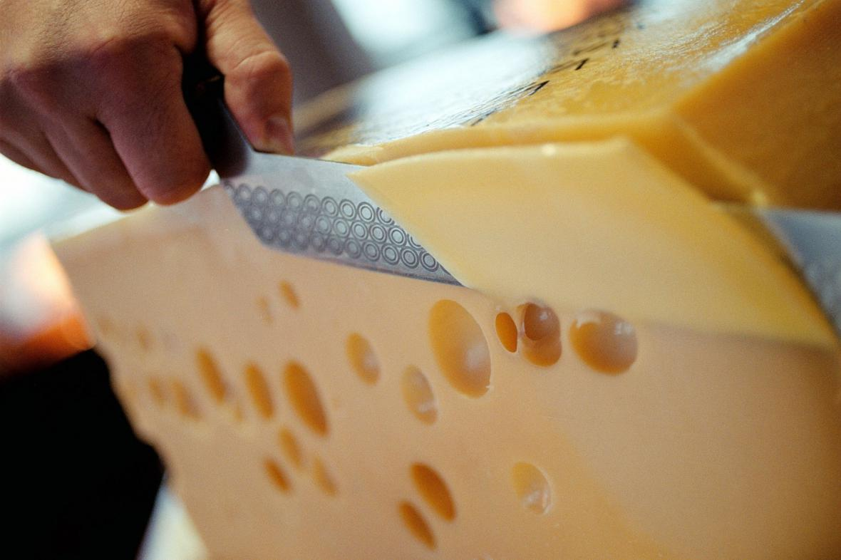 Porcování sýra
