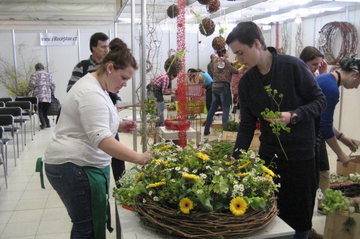 Soutěž v aranžování květin