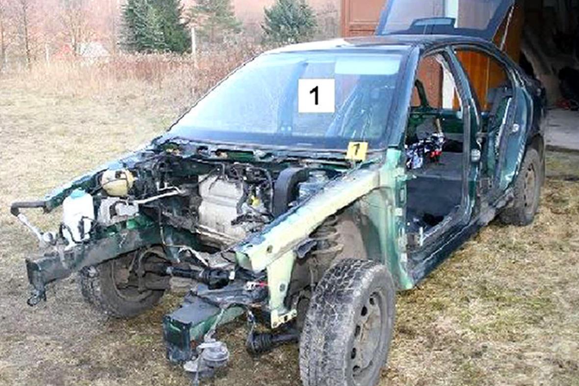 Zákrok děčínských kriminalistů proti zlodějům aut