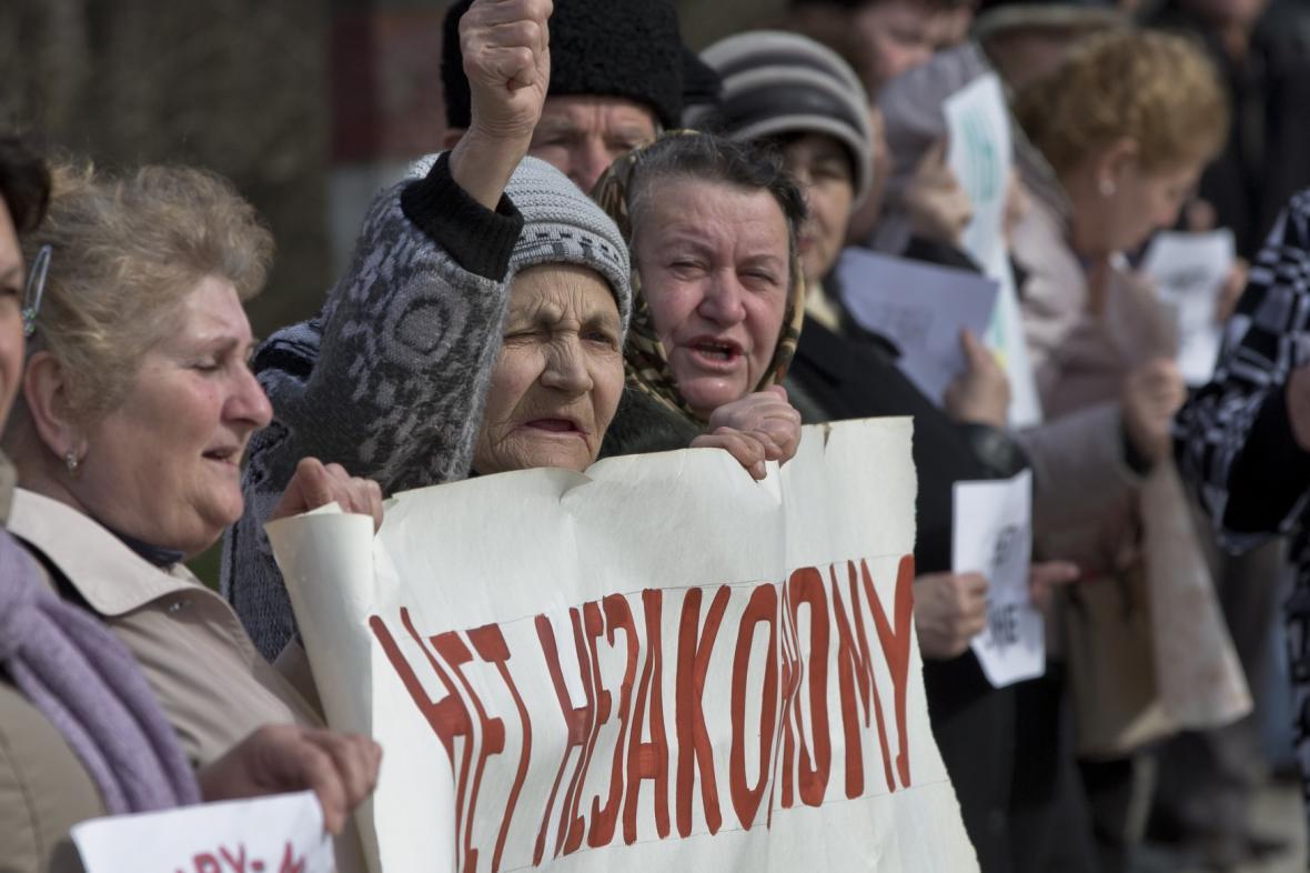 Protesty proti odtržení Krymu od Ukrajiny