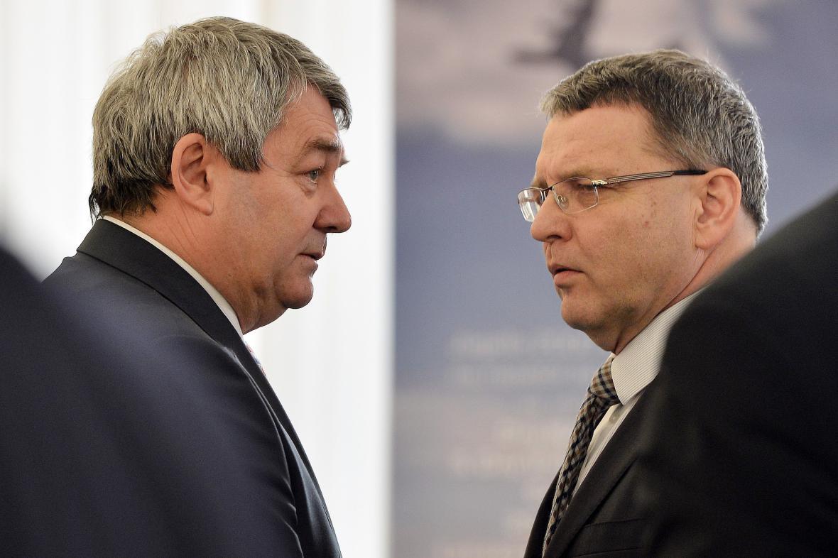 Vojtěch Filip (KSČM) a Lubomír Zaorálek (ČSSD)