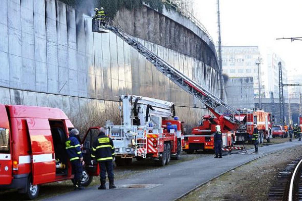 Požár u hlavního nádraží (foto: Český rozhlas)