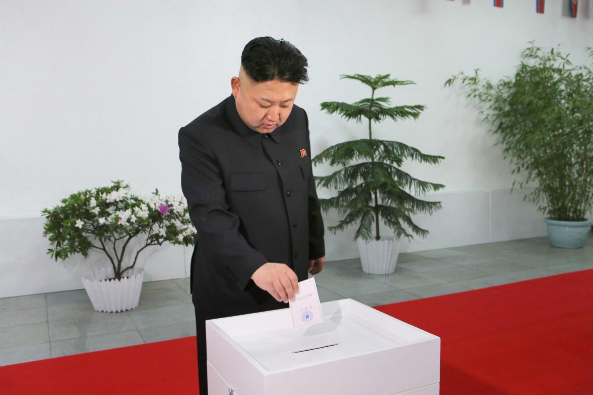 Kim Čong-un u volební urny