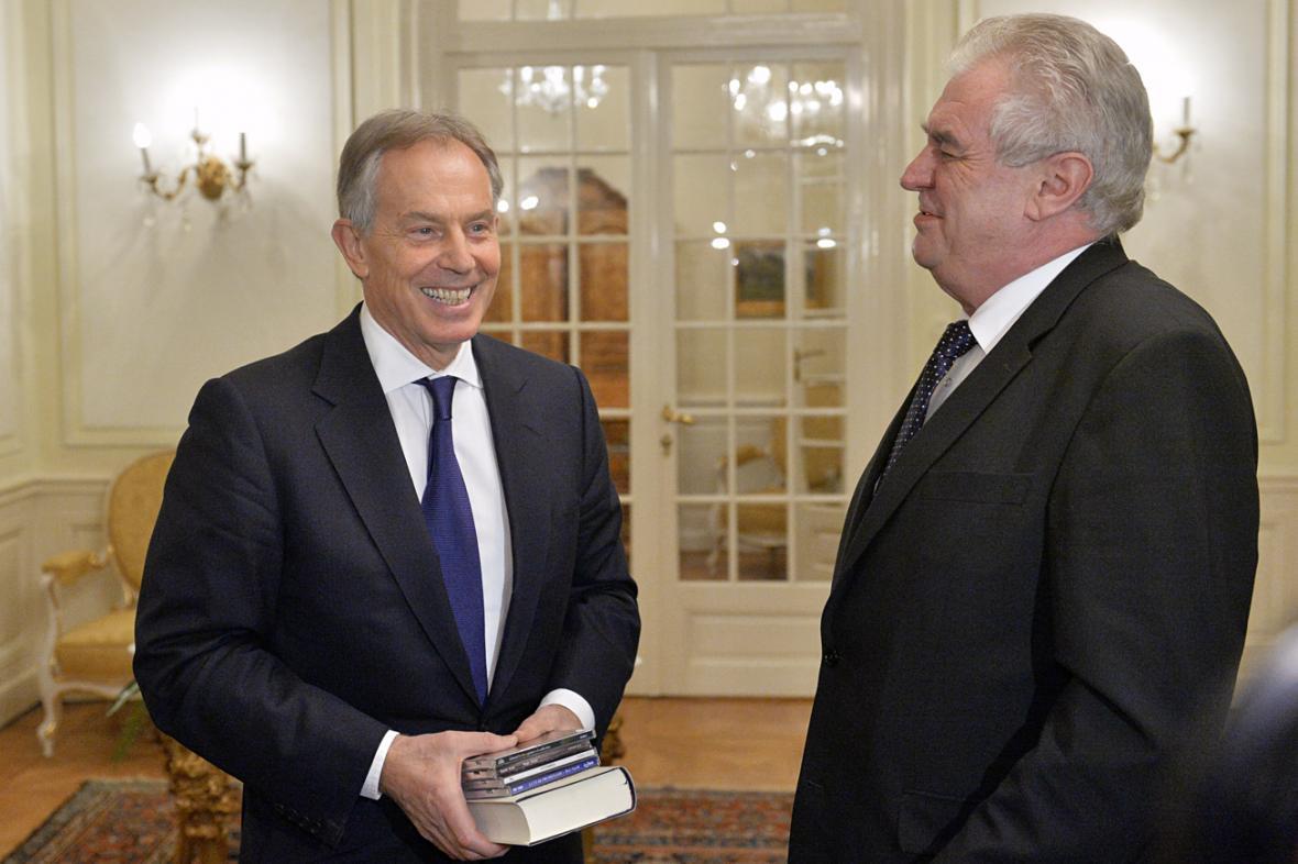 Tony Blair a Miloš Zeman na schůzce v Lánech