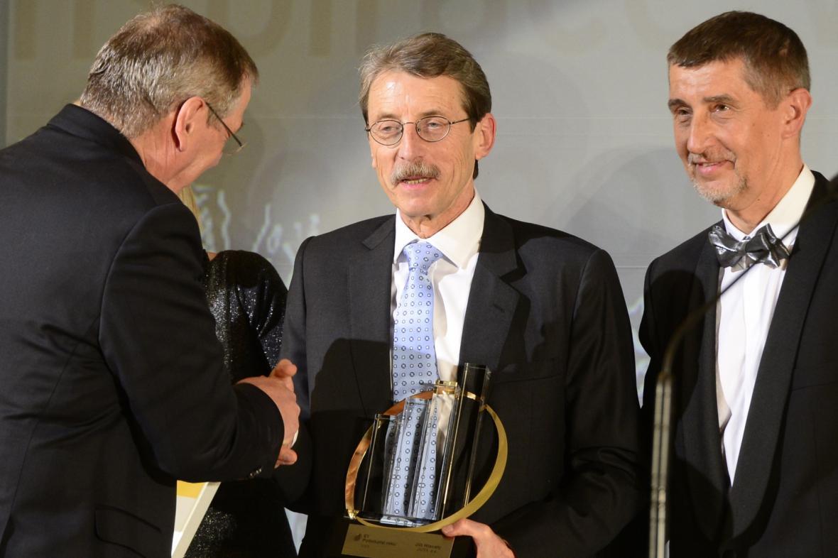 Podnikatel roku 2013 České republiky Jiří Hlavatý (uprostřed)