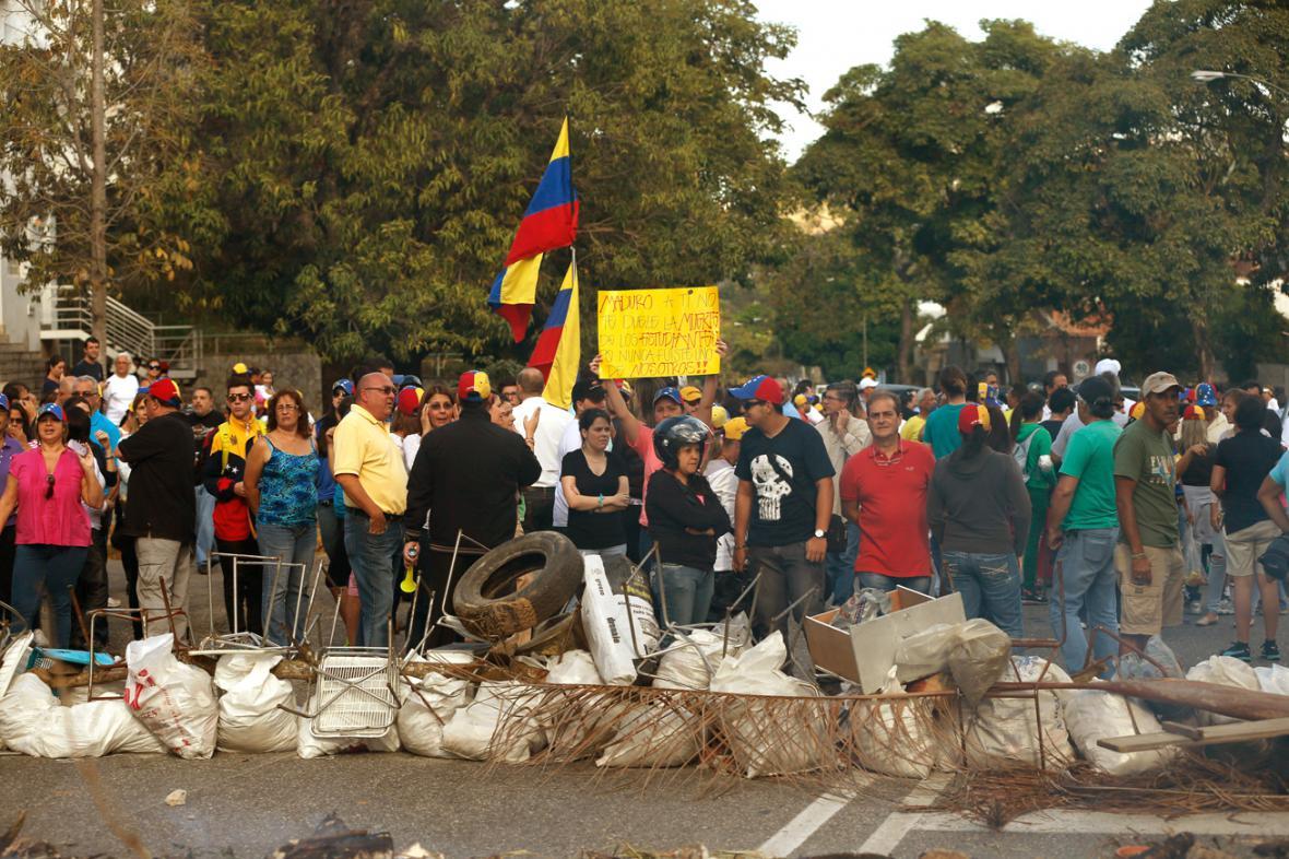 Barikády v ulicích Caracasu