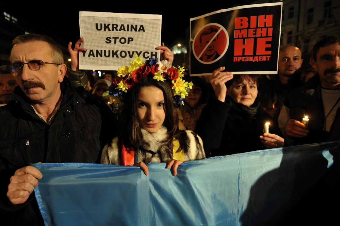 Demonstrace na podporu Ukrajiny na Václavském náměstí