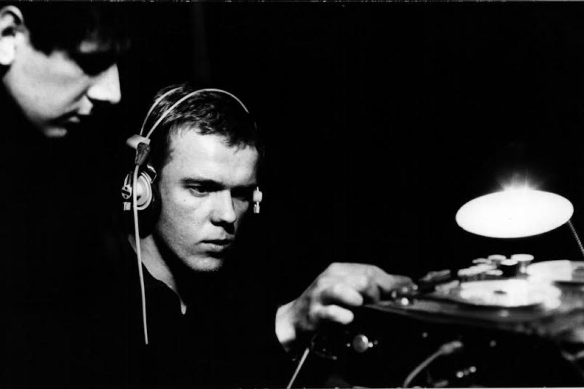 Radomír Kos (vpravo) jako mistr zvuku v roce 1971