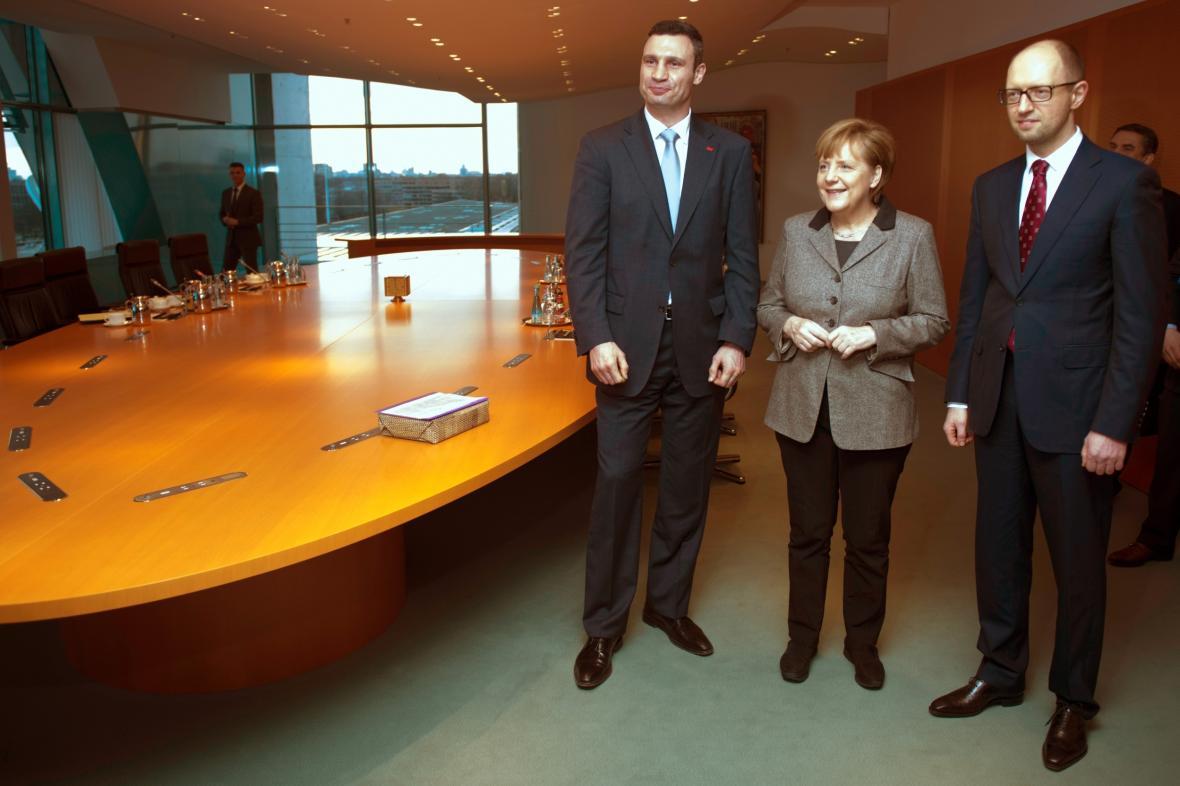 Vitalij Kličko, Angela Merkelová a Arsenij Jaceňjuk