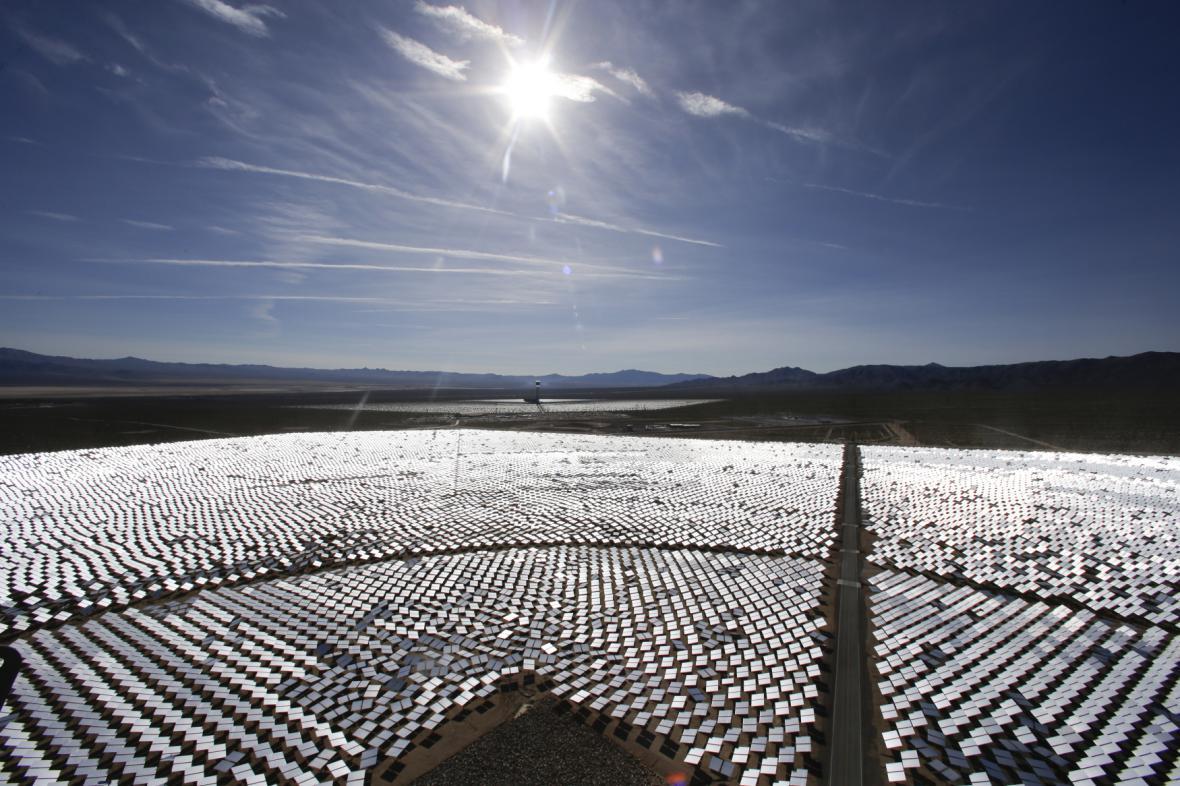 Největší solárně-termální elektrárna na světě