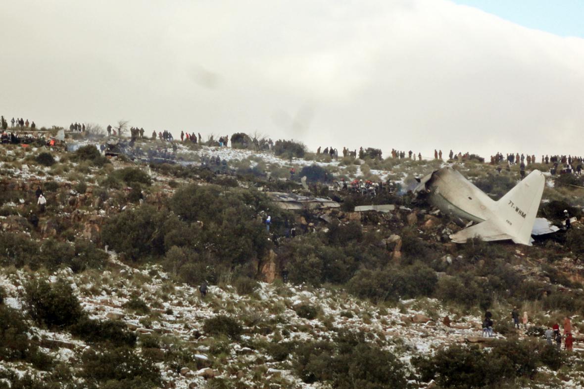Havárie vojenského letadla v Alžírsku