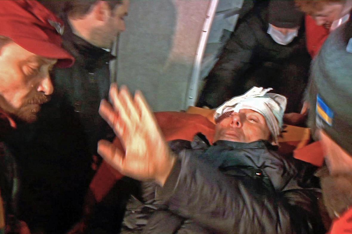 Zraněný exministr Jurij Lucenko