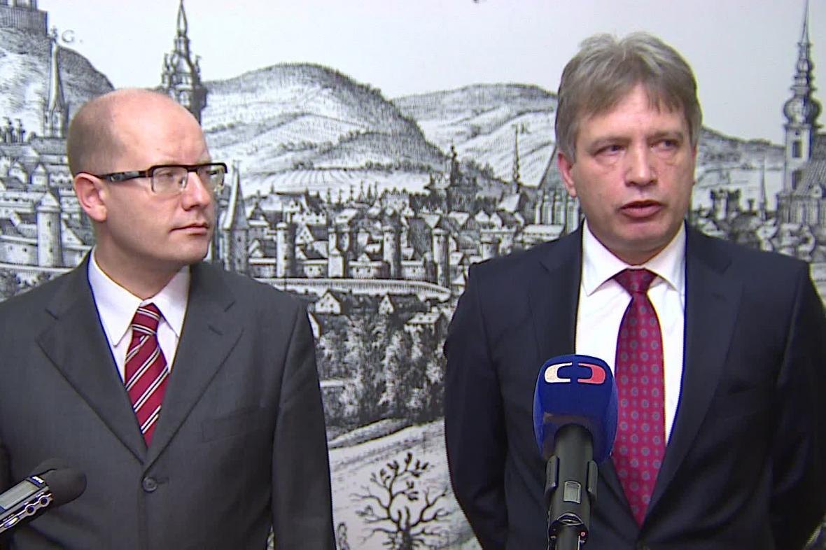 Bohuslav Sobotka (vlevo) a Roman Onderka