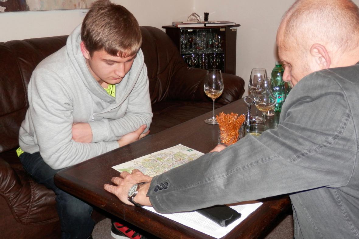 Student Matěj Vích na setkání se starostou Loun