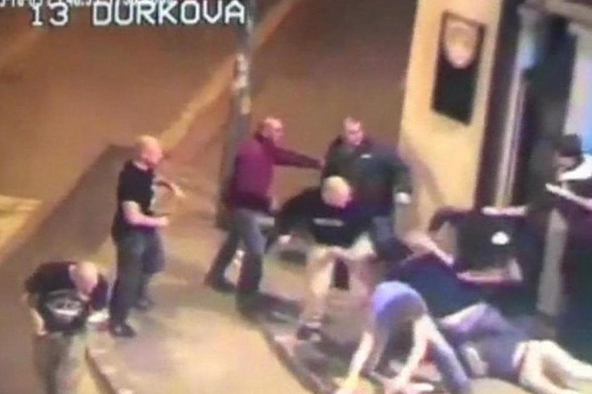 Útok neonacistů na nitranský bar Mariatchi