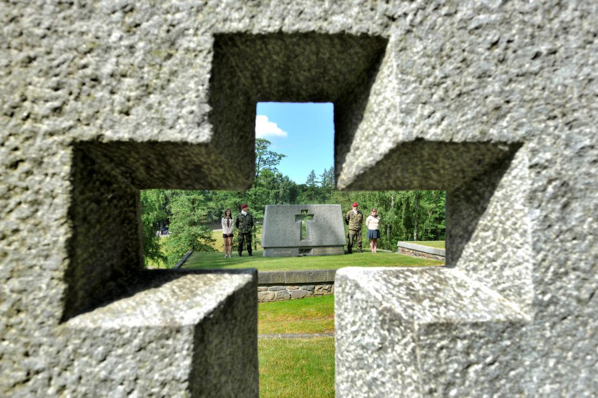 Památník na místě bývalé osady Ležáky