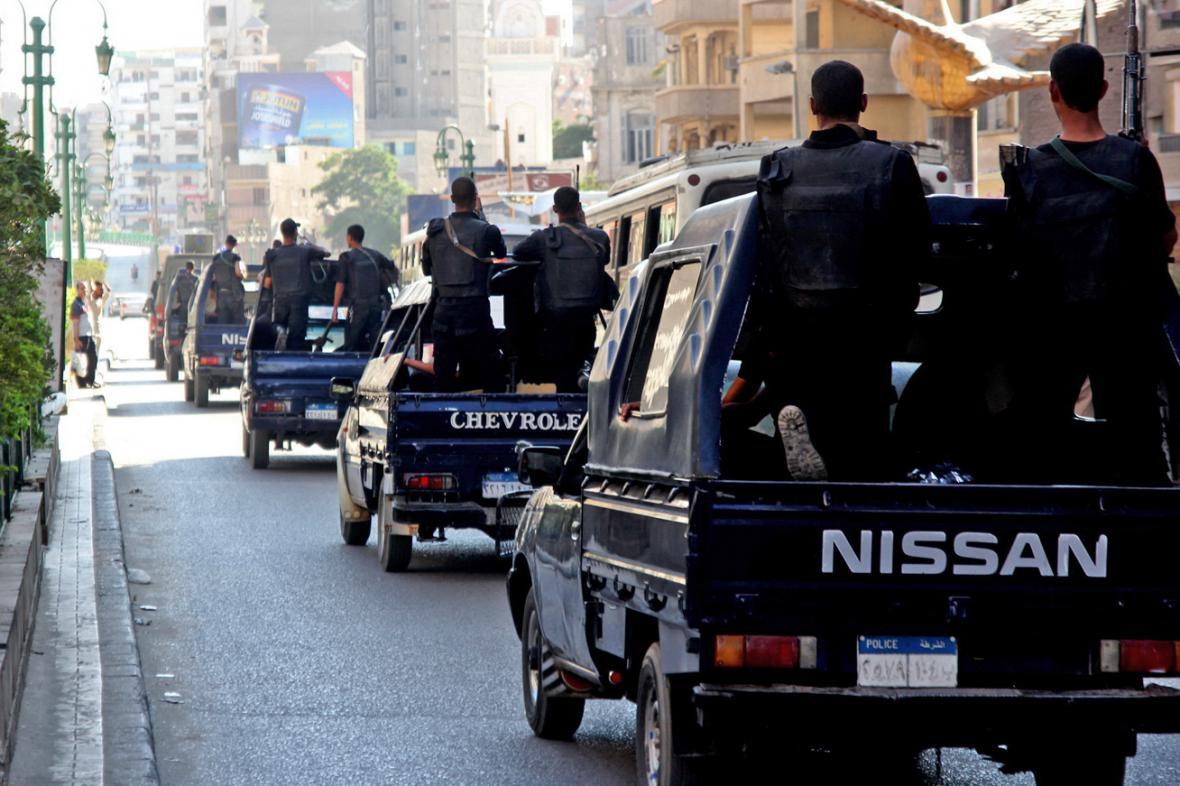 Policejní hlídky v egyptském Assjútu
