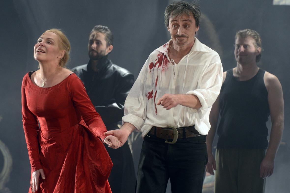 Martin Stropnický v derniéře hry Cyrano!! Cyrano!! Cyrano!!