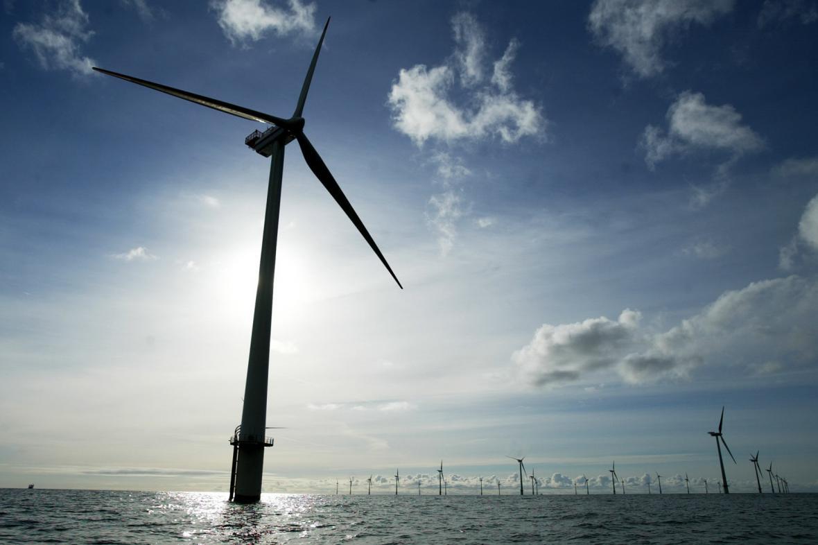 Větrníky na moři