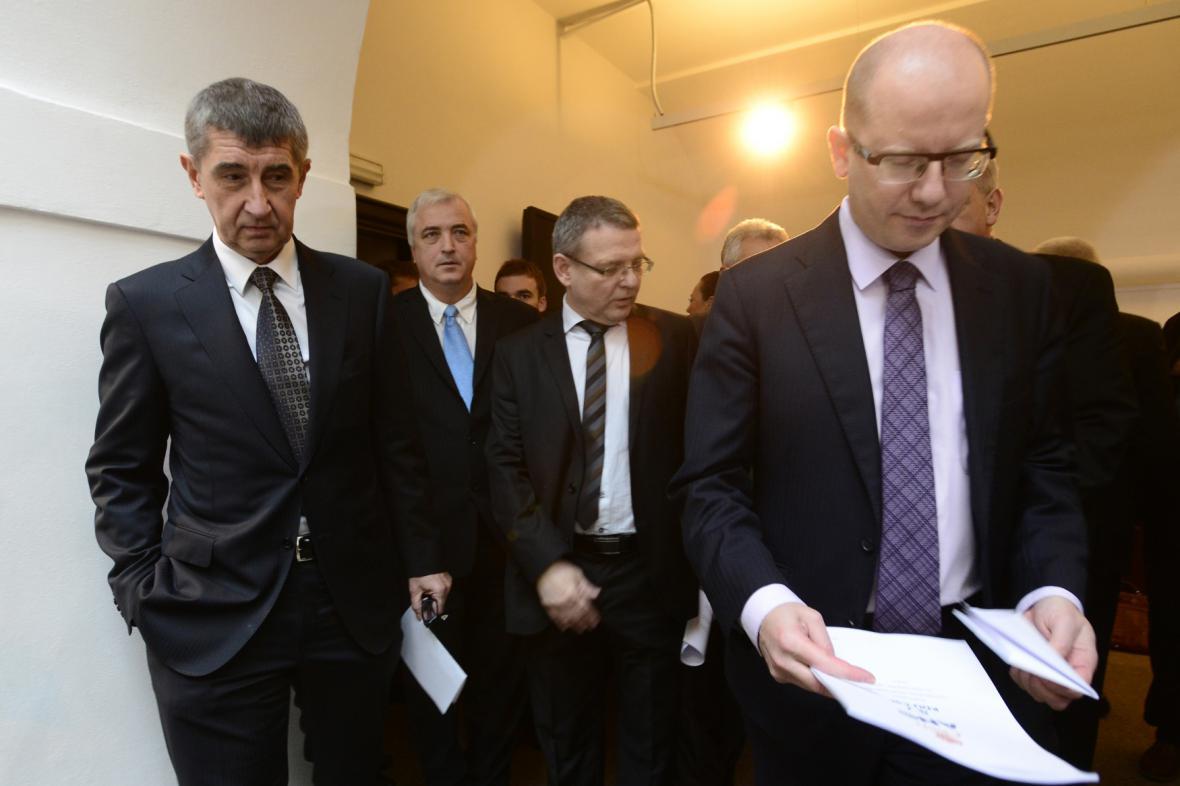 Bohuslav Sobotka, Andrej Babiš a zástupci vládní koalice
