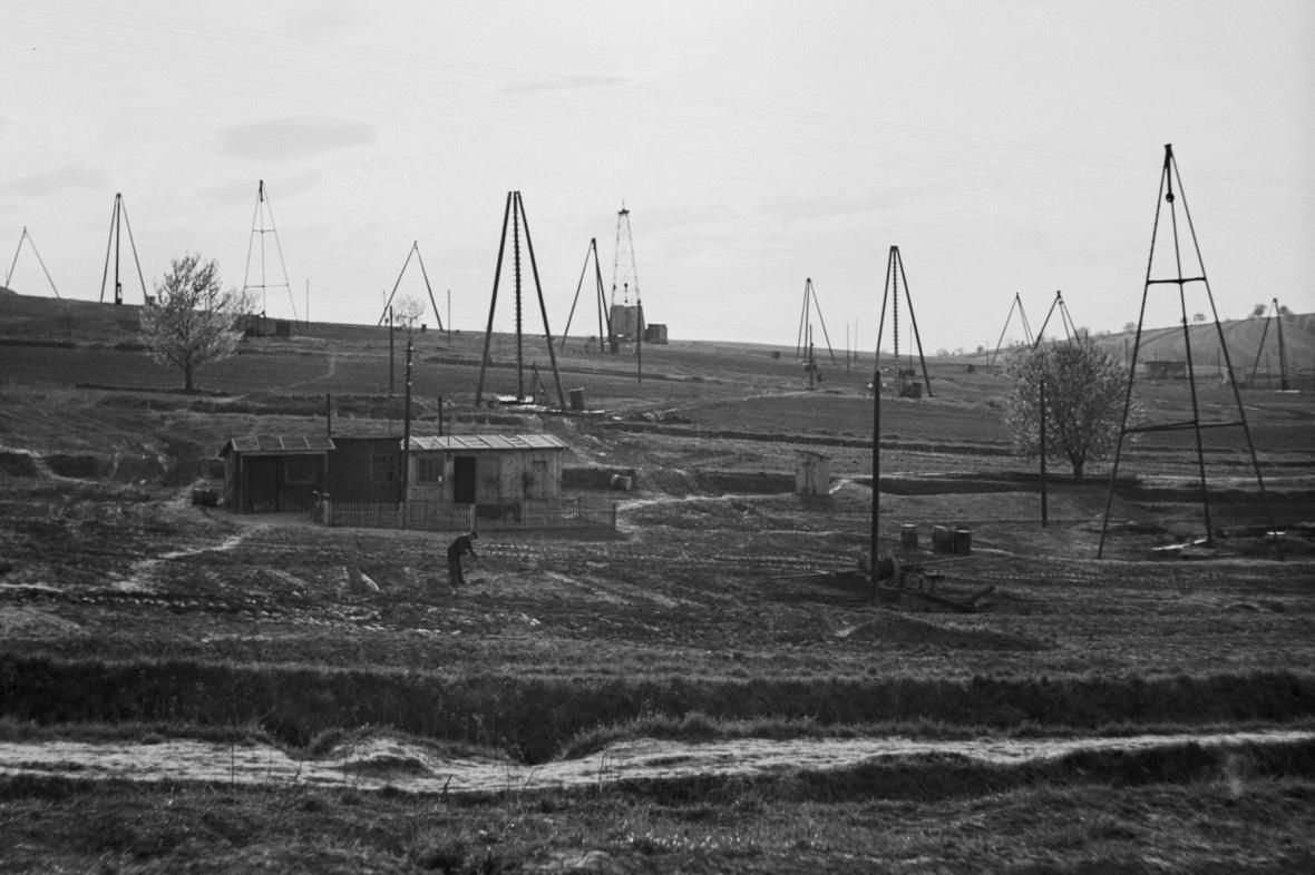 Vrtné věže u slovenských Gbel v roce 1953