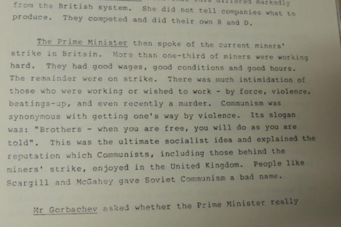 Rozhovor britské premiérky Margaret Thatcherové a Michaila Gorbačova z roku 1984