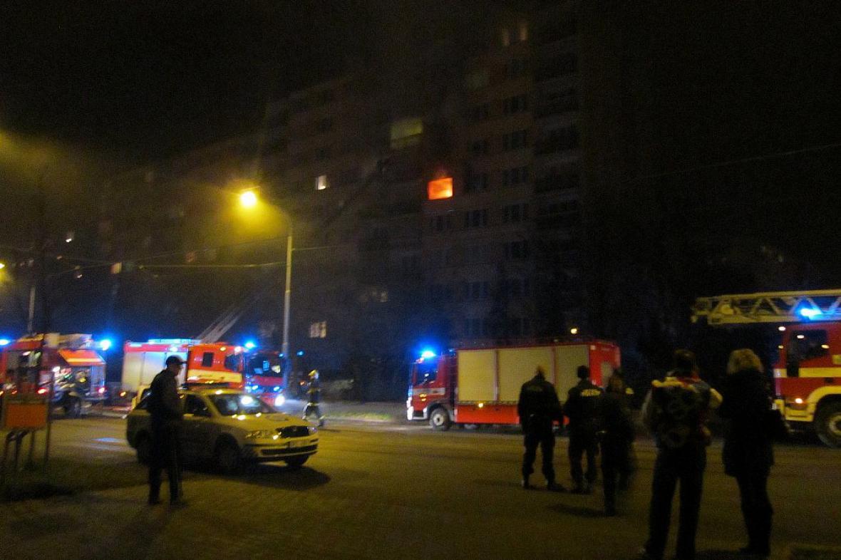 Požár panelového domu