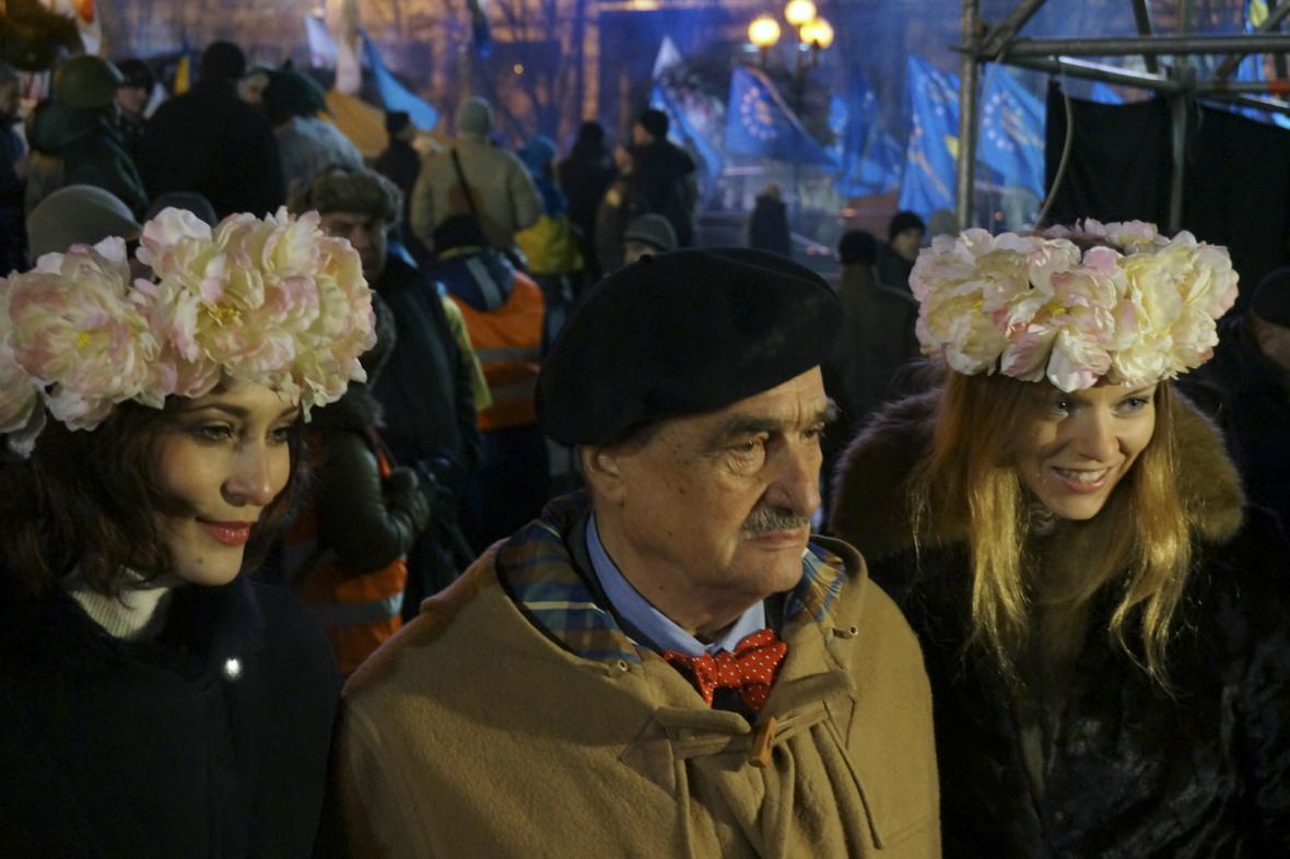 Karel Schwarzenberg na kyjevském náměstí Nezávislosti