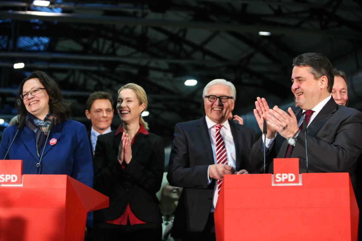 SPD v referendu schválila koalici s CDU/CSU