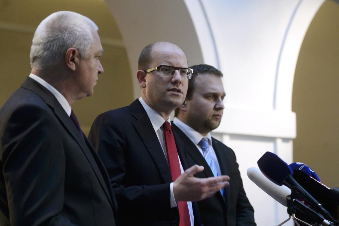 Jaroslav Faltýnek (ANO), Bohuslav Sobotka (ČSSD) a Marian Jurečka (KDU-ČSL)