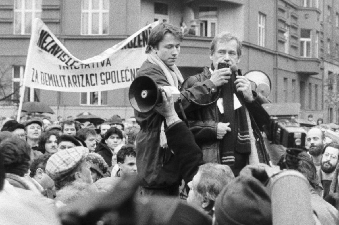 Škroupovo náměstí 10. prosince 1988