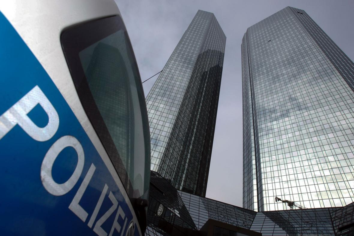 Policejní razie v Deutsche Bank
