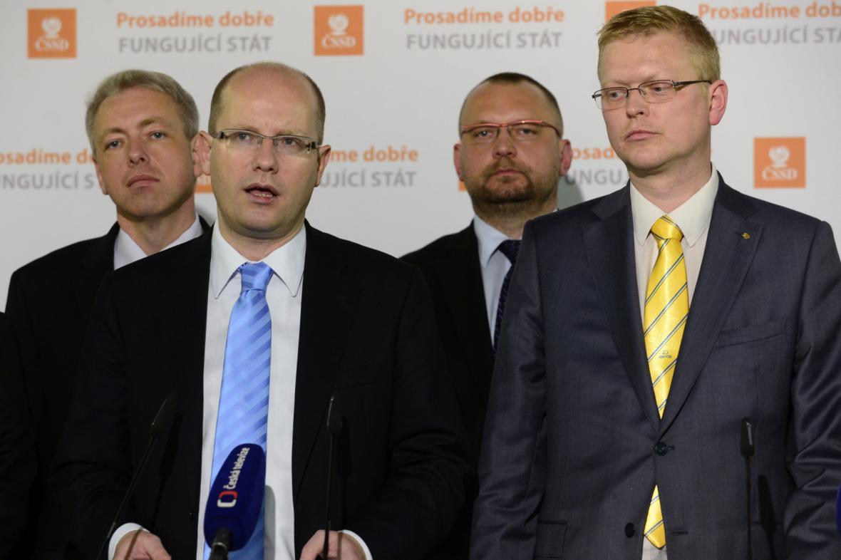 Bohuslav Sobotka (ČSSD) a Pavel Bělobrádek (KDU-ČSL)