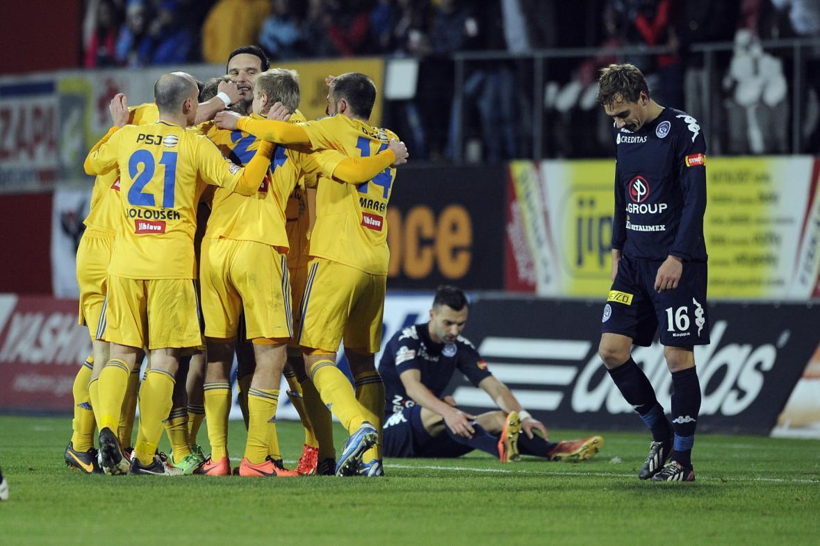 Radost fotbalistů Jihlavy v zápase se Slováckem