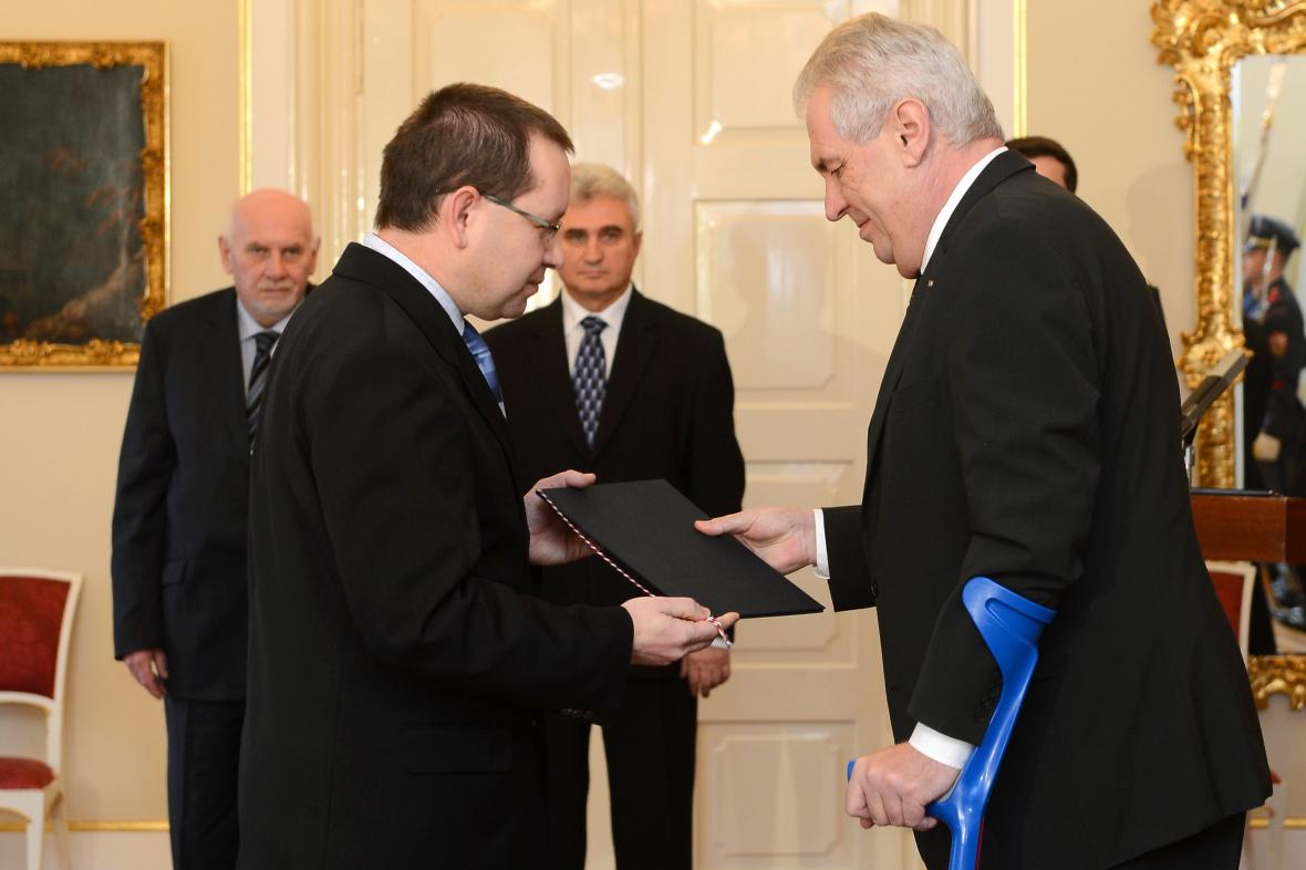 Miloš Zeman jmenuje Radovana Suchánka ústavním soudcem