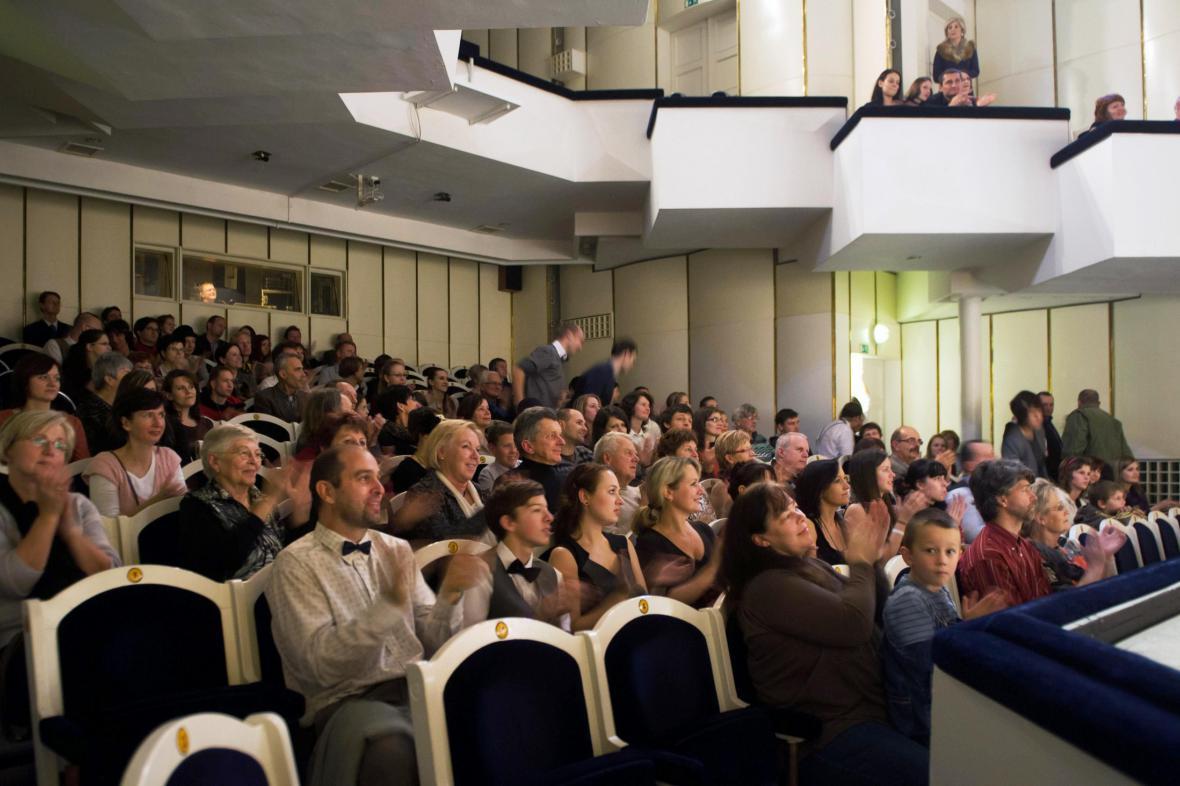 Potlesk v sále Jihočeské divadla