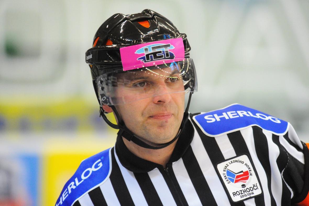 Rozhodčí René Hradil