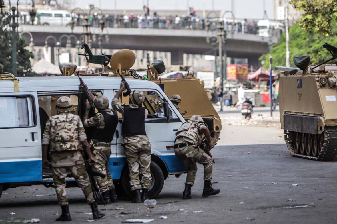 Pouliční boje v Egyptě