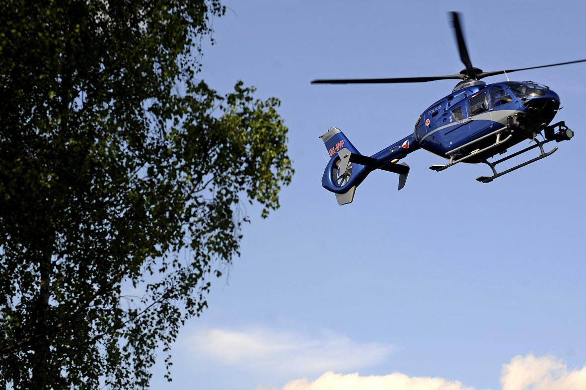 Policejní vrtulník s termovizí