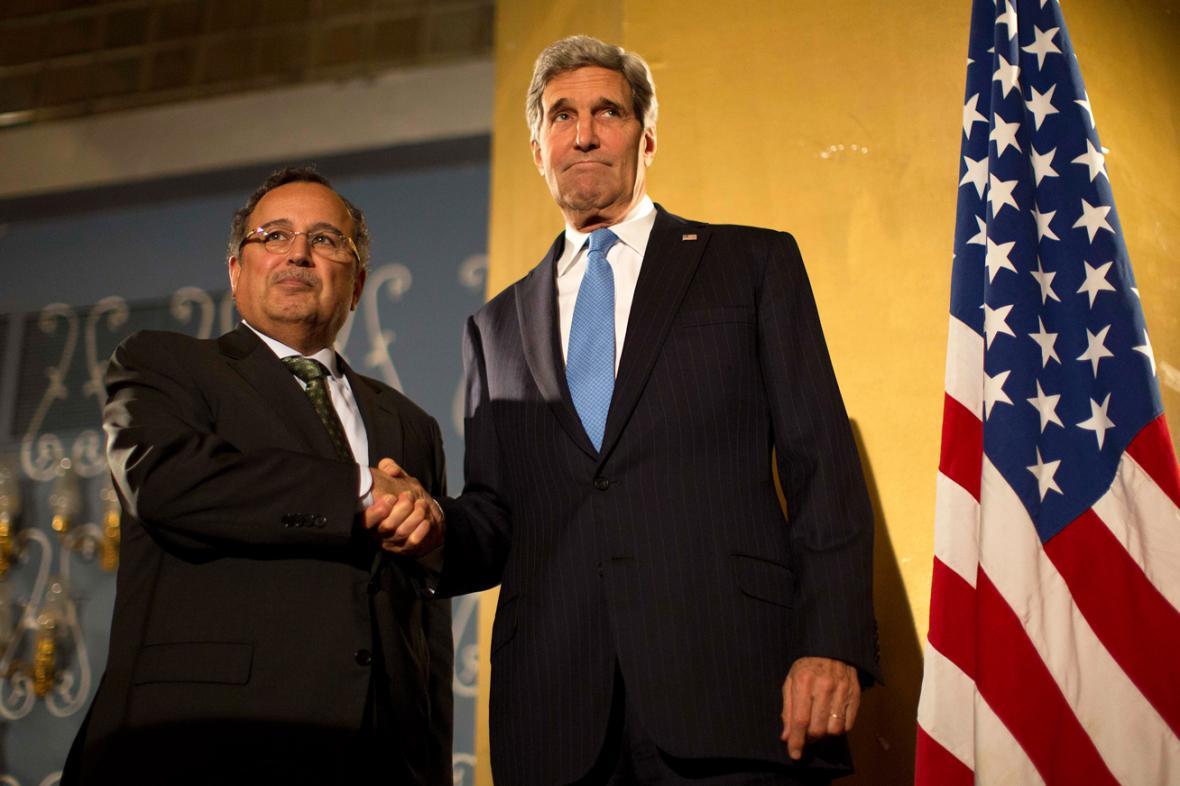 Nabíl Fahmí a John Kerry