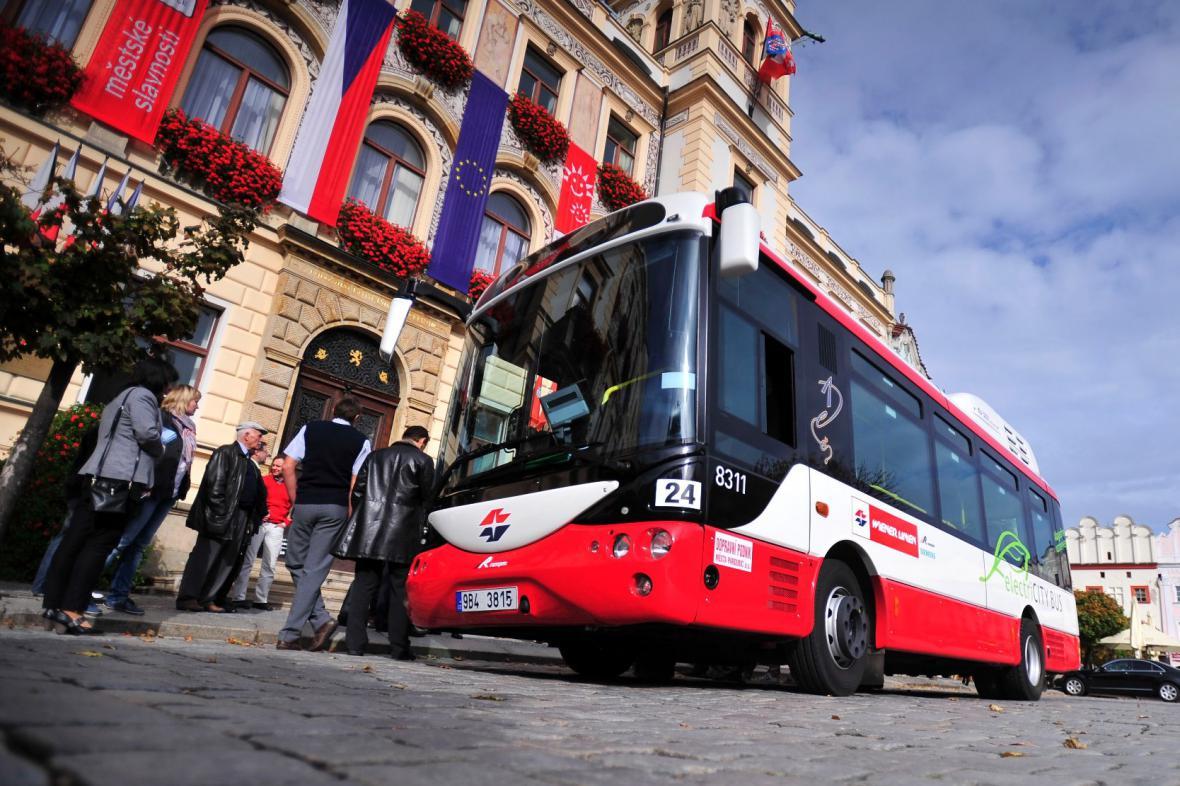 Pardubice vyzkoušely elektrobus