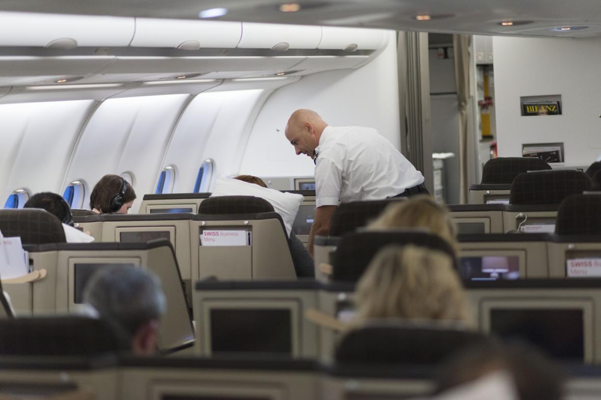 V kabině letadla