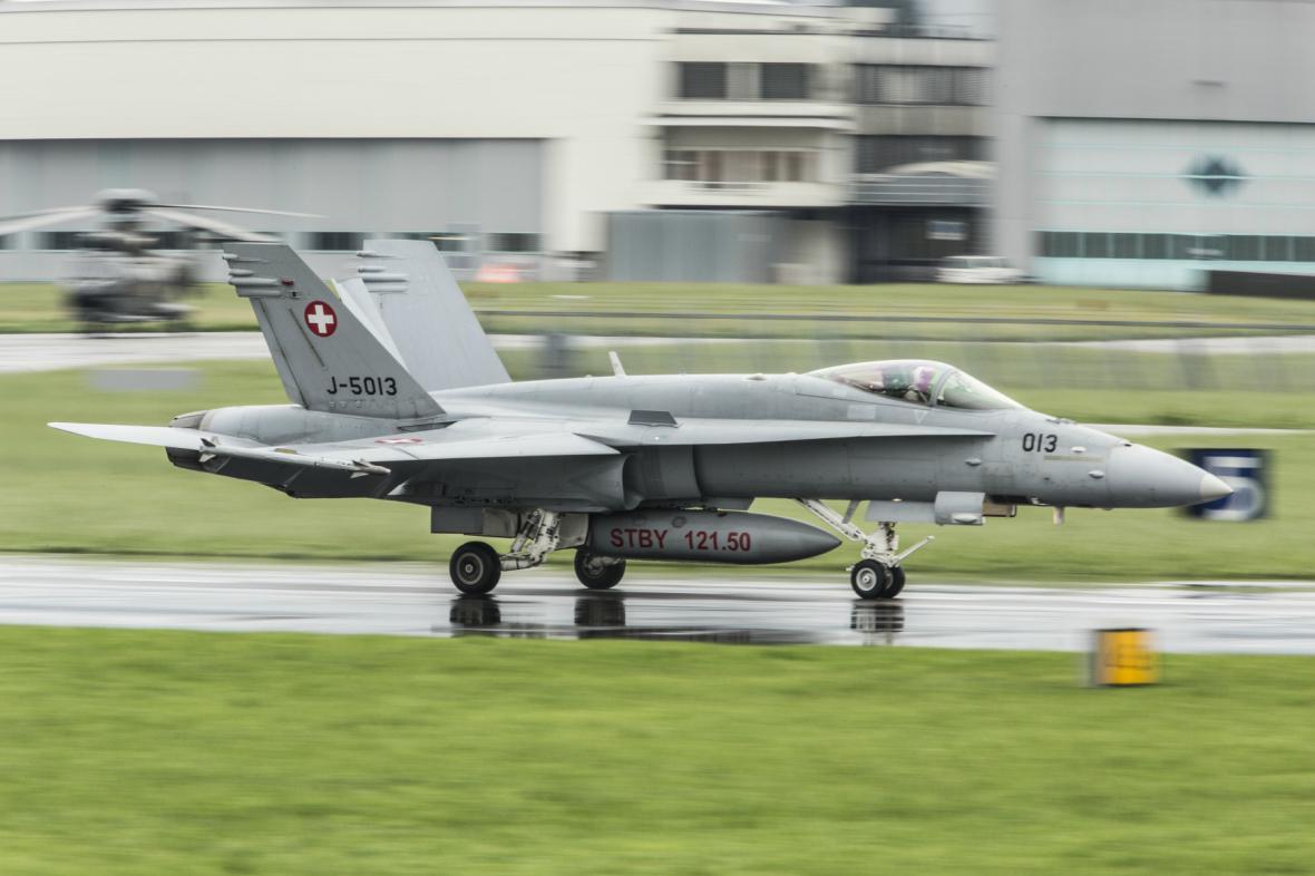 Stíhačka F/A-18 švýcarské armády