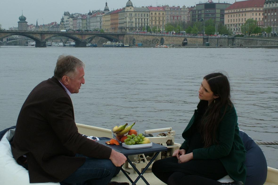 Apolena Rychlíková s Mirkem Topolánkem