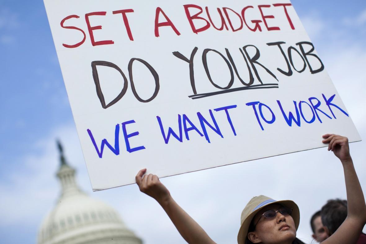Protest proti zablokovaným vládním výdajům v USA