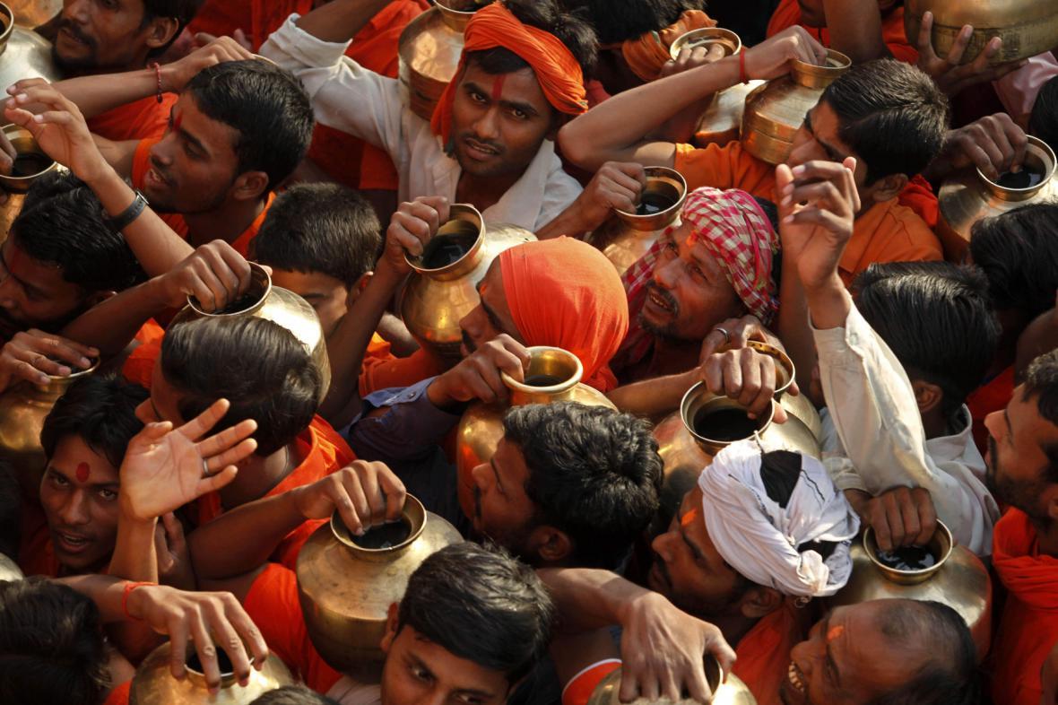 Indický dav - ilustrační foto