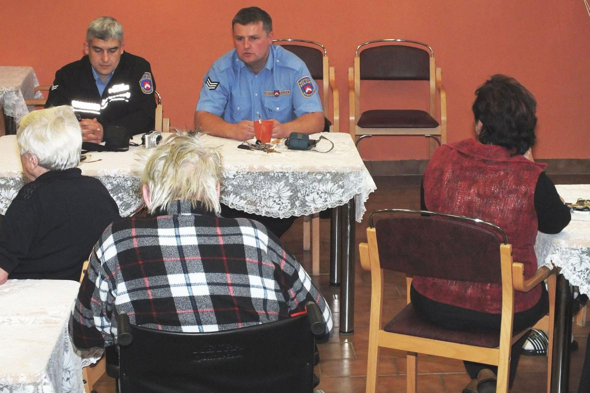 Beseda seniorů z Boskovic s městskou policií