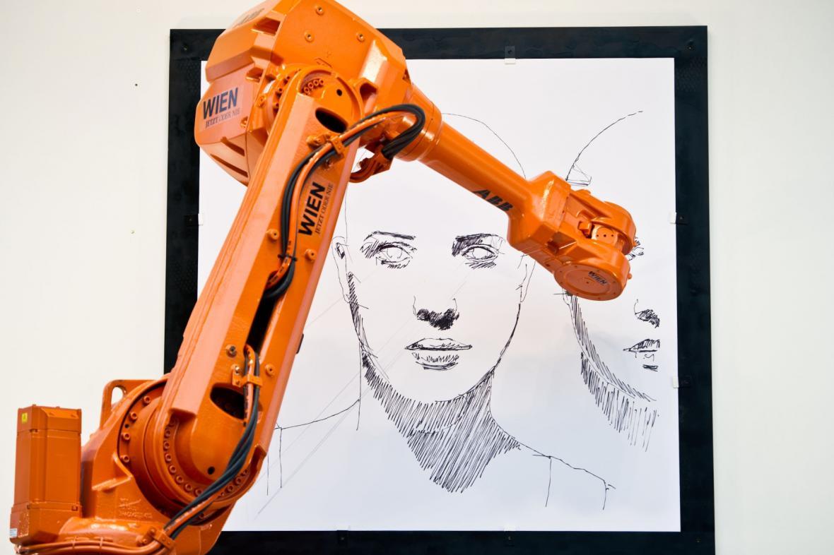Long Distance - robotický výtvarný projekt Alexe Kiesslinga