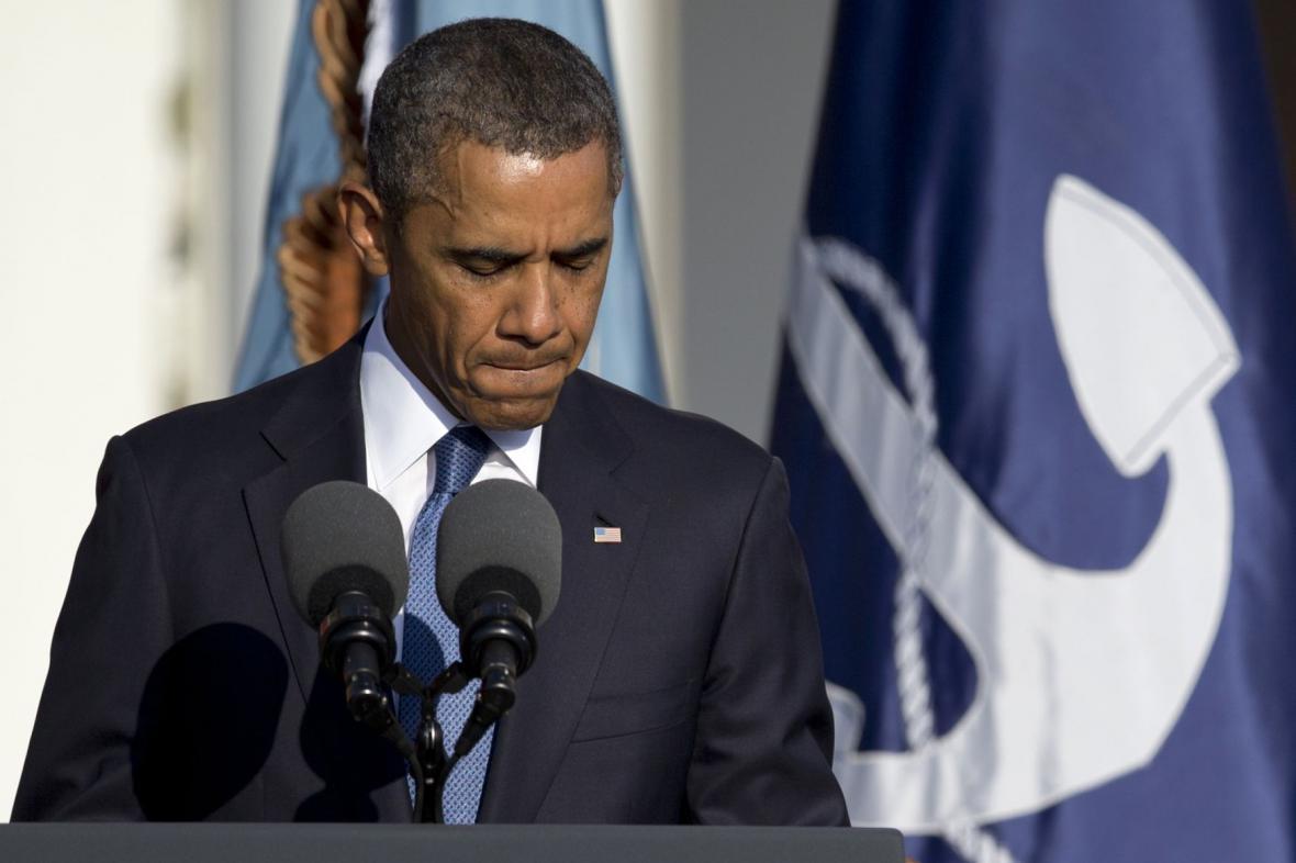 Barack Obama během pietního shromáždění