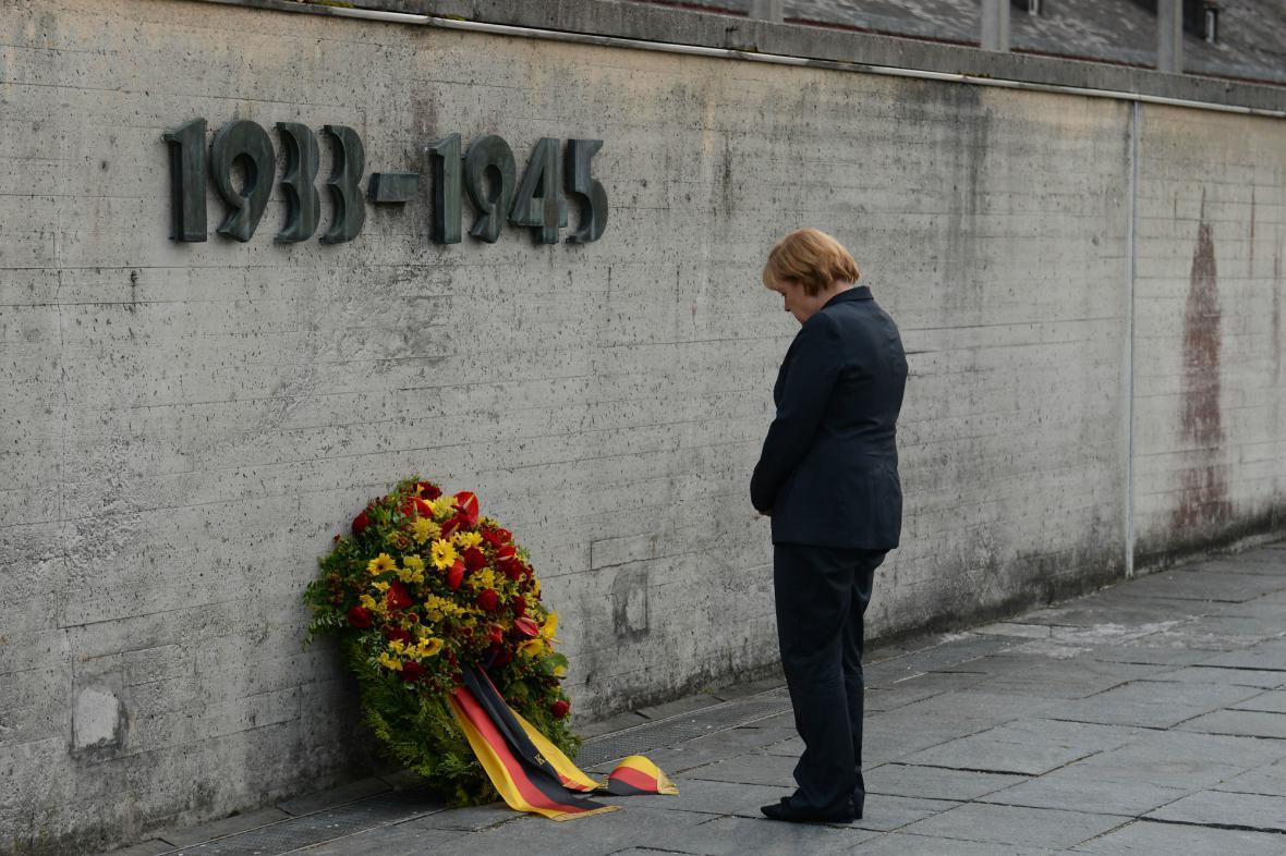Angela Merkelová v Dachau
